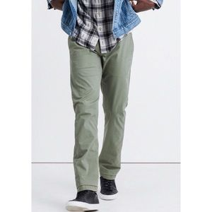 Lucky Brand 121 Heritage Slim Green Chinos